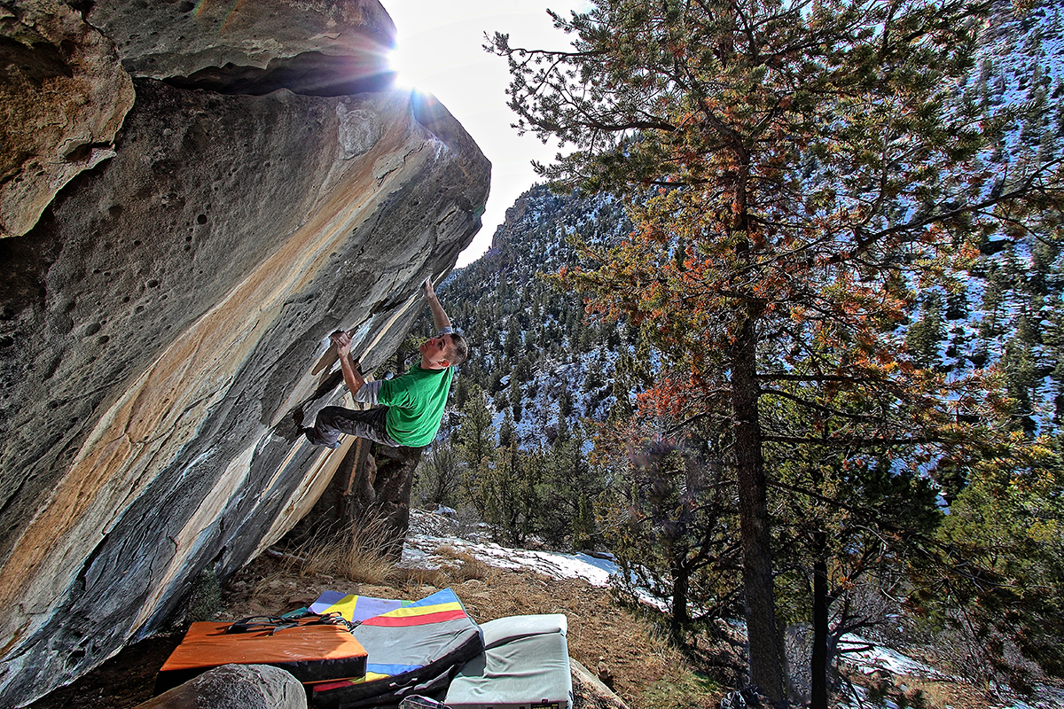 Jeff-climbing-on-Jigsaw 2---Joe's-Valley,-Utah