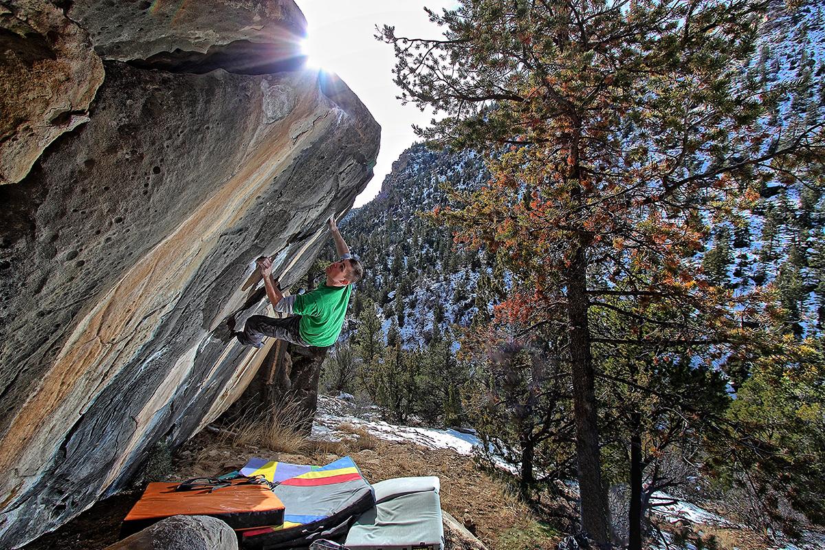 Jeff-climbing-on-Jigsaw 2---Joe's-Valley,-Utah