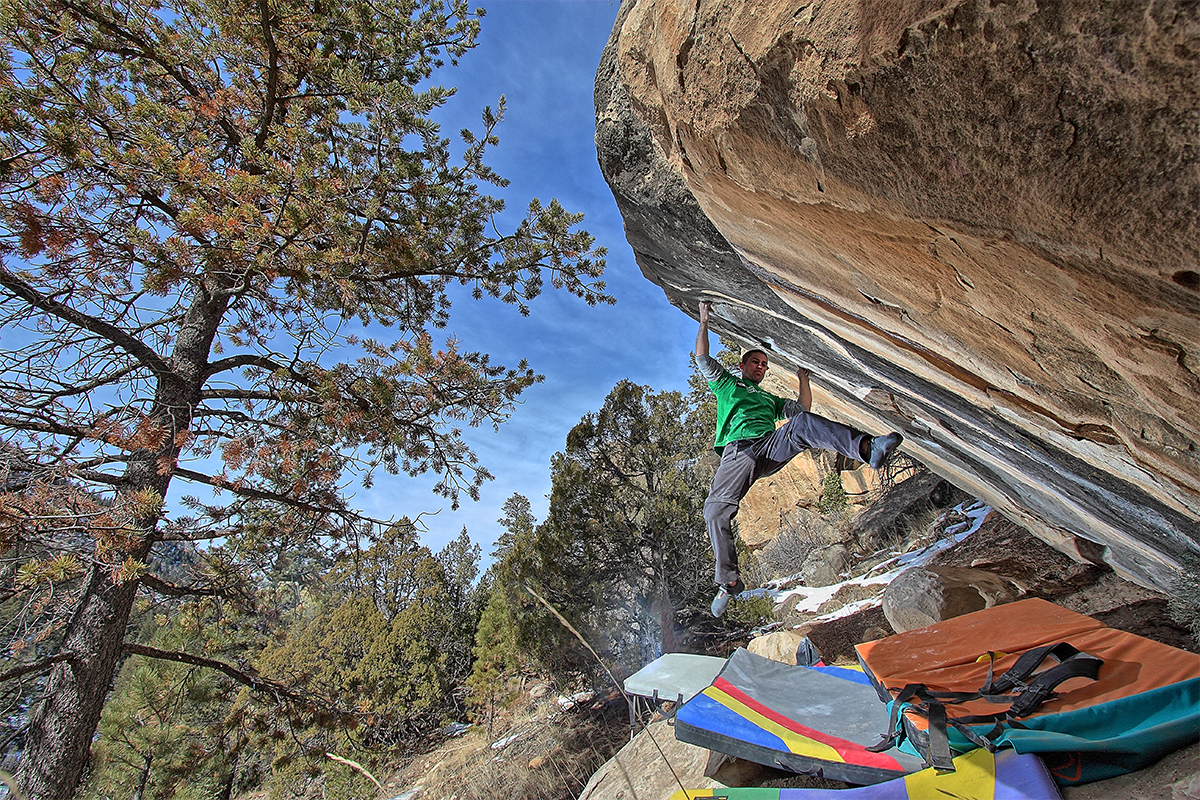 Jeff-climbing-on-Jigsaw---Joe's-Valley,-Utah