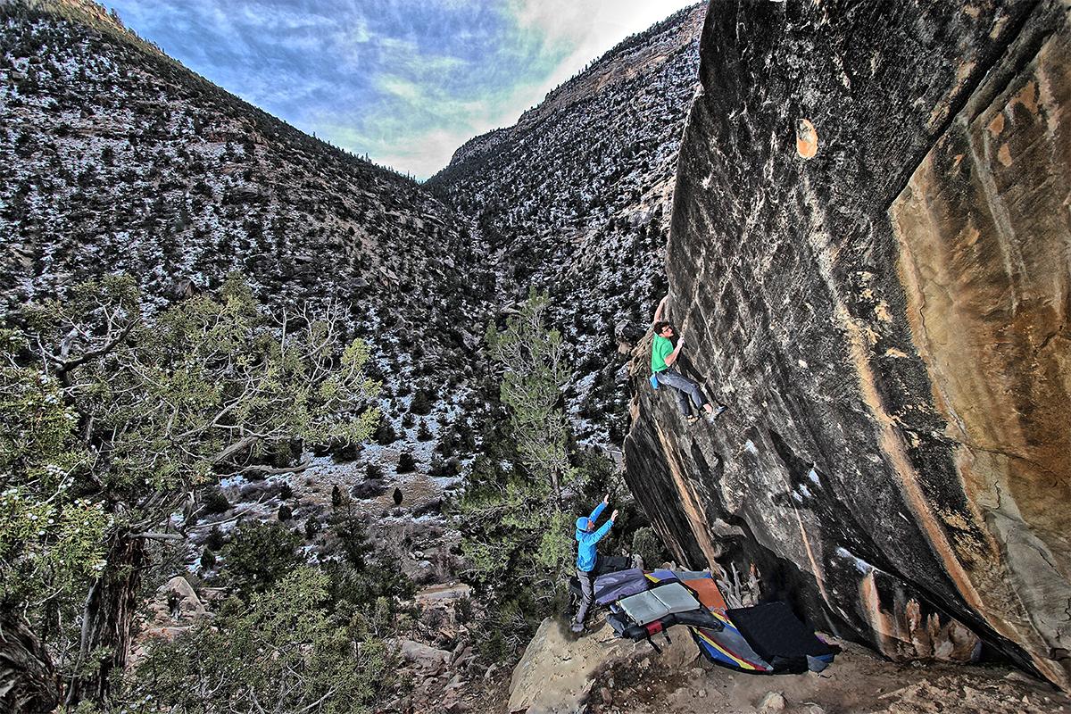 Sam climbing on Prince of Thieves - Joe's-Valley,-Utah